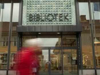 Presentationsbild för referensen Lidköpings Stadsbibliotek - entré